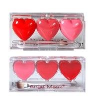Оригинальный блеск для губ в виде трех сердечек по супер цене