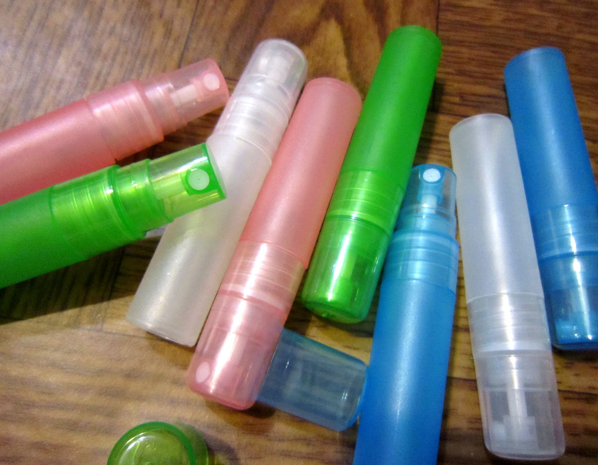 Атомайзеры для духов, флаконы для парфюмерии, фиолки пластиковые 10 мл 04