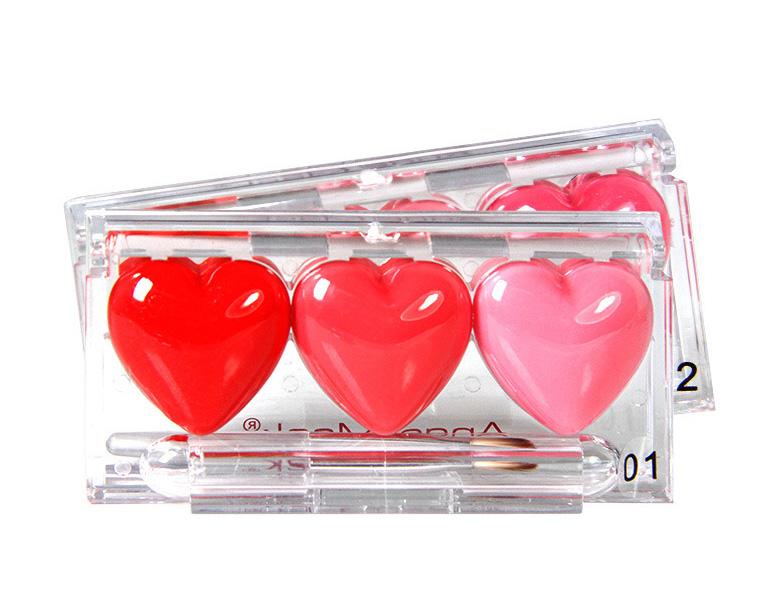 Оригинальный блеск для губ в виде трех сердечек по супер цене 07