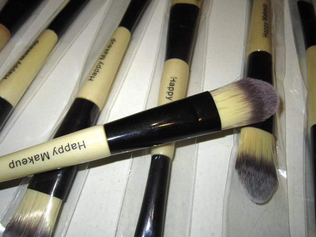 Профессиональная двусторонняя кисть для нанесения тональной основы, консилера, ВВ крема натуральная высококачественная 04