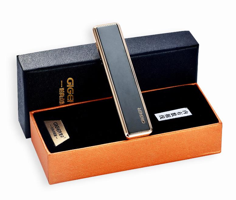 Сенсорная элeктpoннaя зaжигaлкa  GIGER с  USB 01