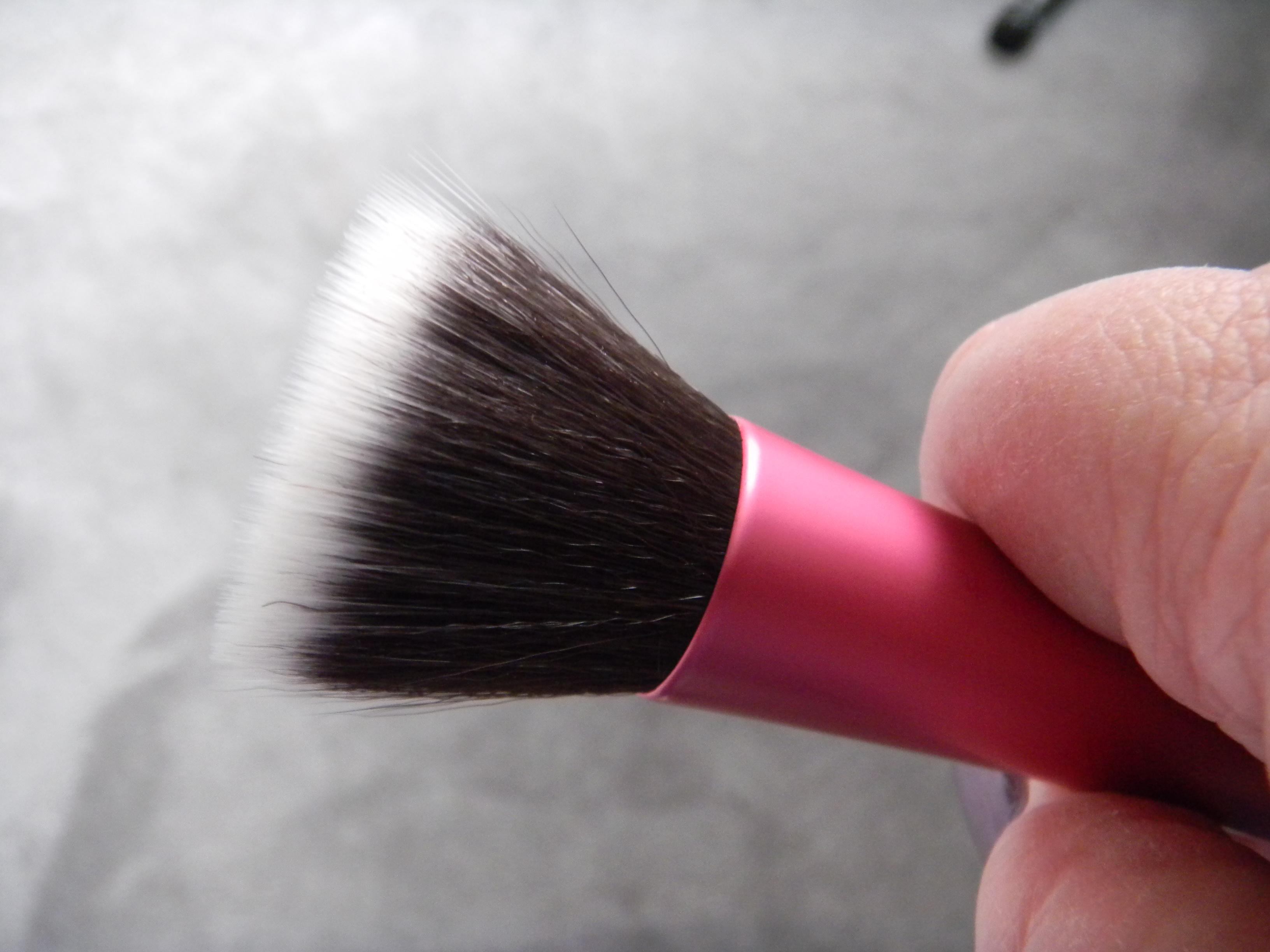 Финишная кисть Stippling brush копия Real Techniques 01