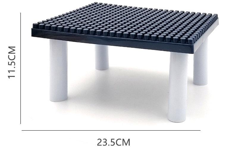 Игровой мини-столик с конструктором 03