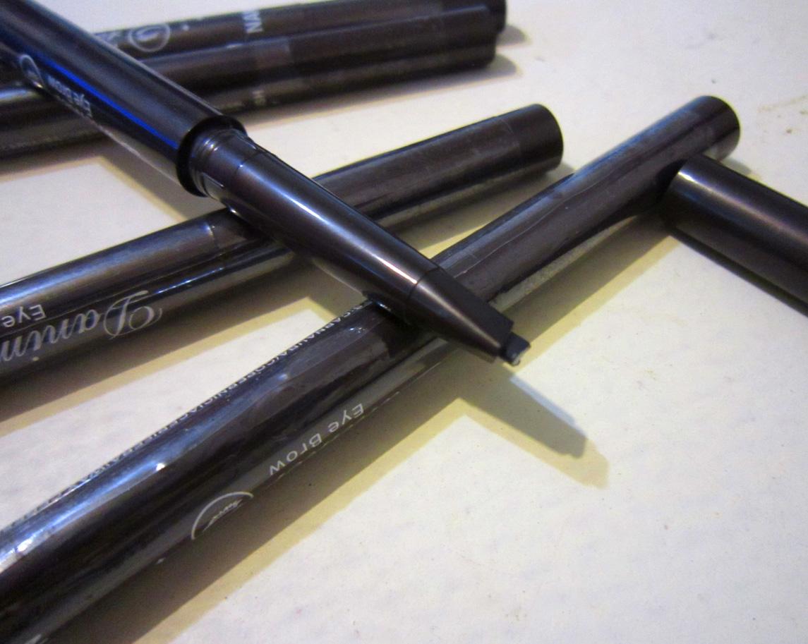 Механический карандаш для бровей с плоским грифелем и со щеточкой 06