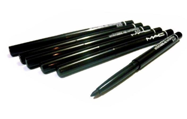Механический выкручивающийся карандаш для век Mac 07