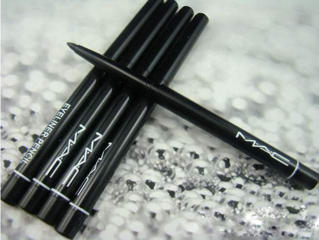 Механический выкручивающийся карандаш для век Mac 01