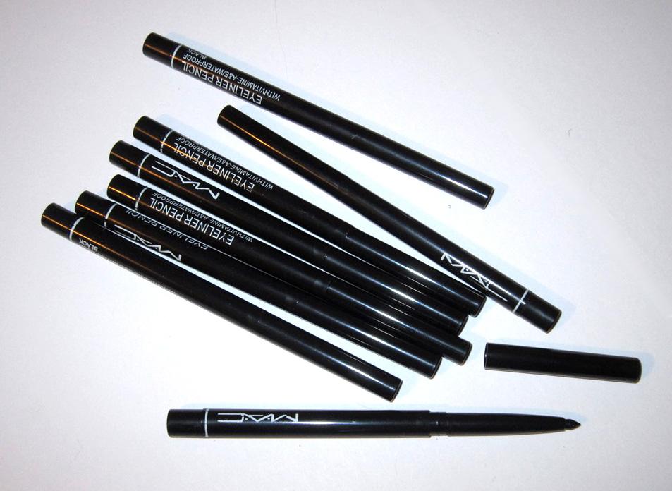 Механический выкручивающийся карандаш для век Mac 02