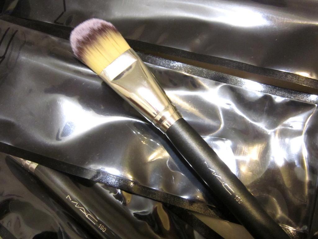 Профессиональная кисть Mac 190 для нанесения тональной основы, консилера, ВВ крема натуральная высококачественная 04