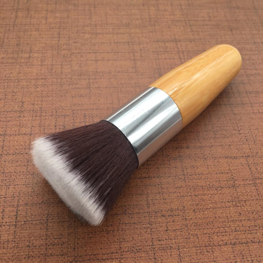 Универсальная кисть для основы Flat Top Brush 05