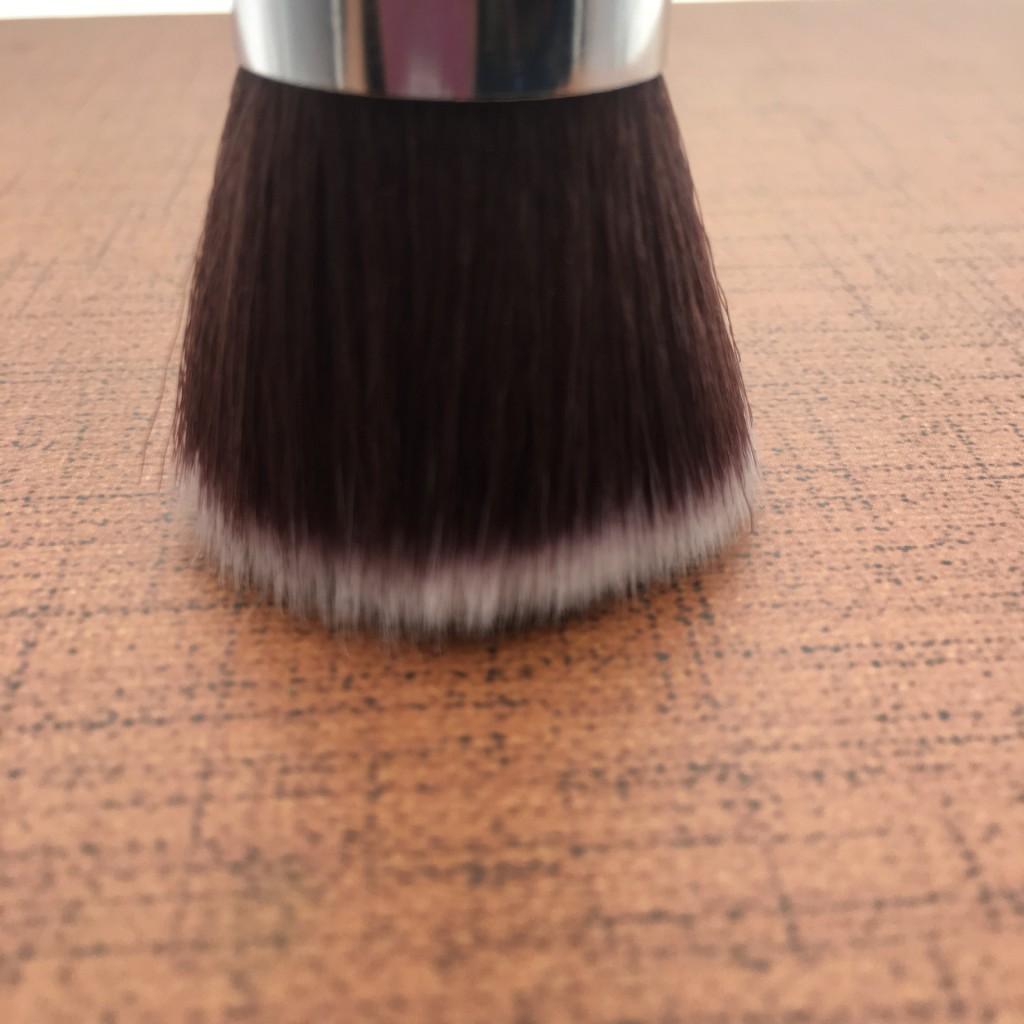 Универсальная кисть для основы Flat Top Brush 08