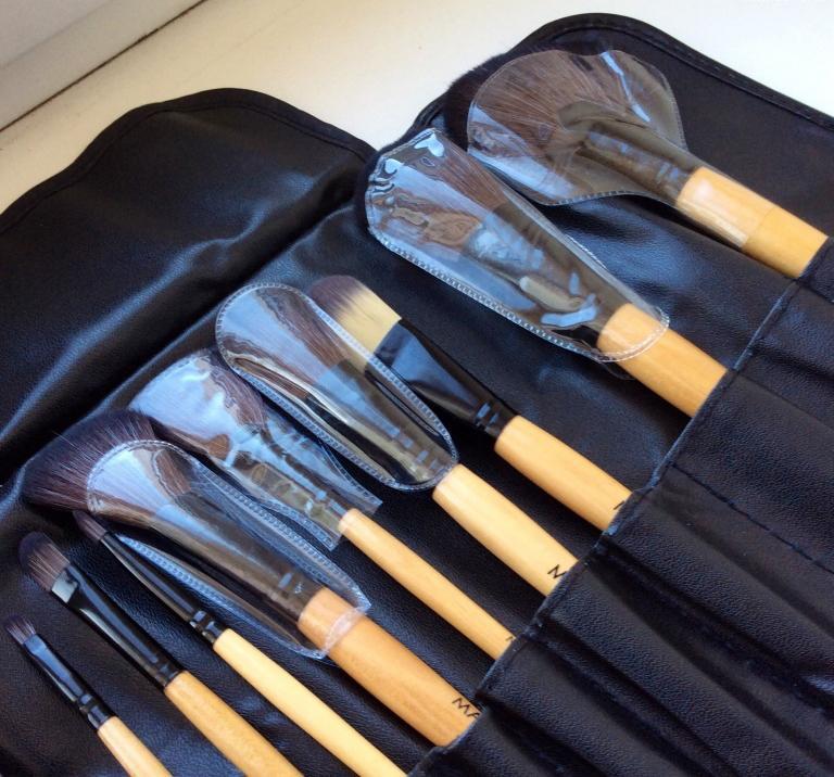 Профессиональный набор кистей для макияжа MAKE-UP FOR YOU 24 кисти 04