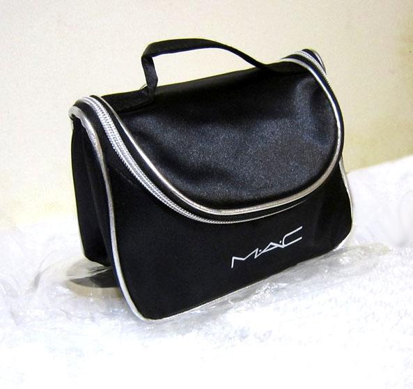 Вместительный кейс для косметики (косметичка) с логотипом Mac 04