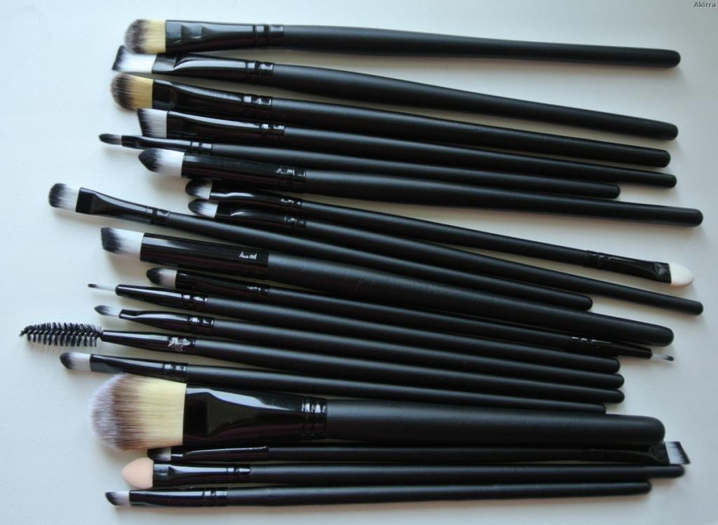 Профессиональный набор кистей для макияжа из 20 кистей и специального пояса визажиста 01