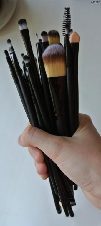 Профессиональный набор кистей для макияжа из 20 кистей и специального пояса визажиста 07