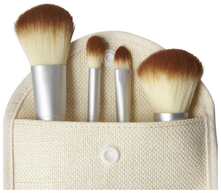 Компактный набор 4 кистей для макияжа с ручками из бамбука для нанесения минеральной косметики 03