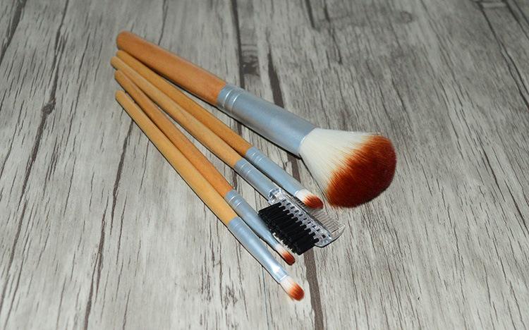 Набор кистей для макияжа из 5 кистей 02
