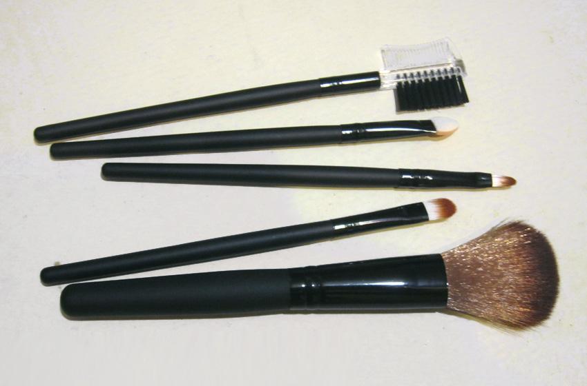 Набор кистей для макияжа из 5 кистей 03