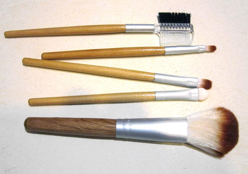 Набор кистей для макияжа из 5 кистей 04