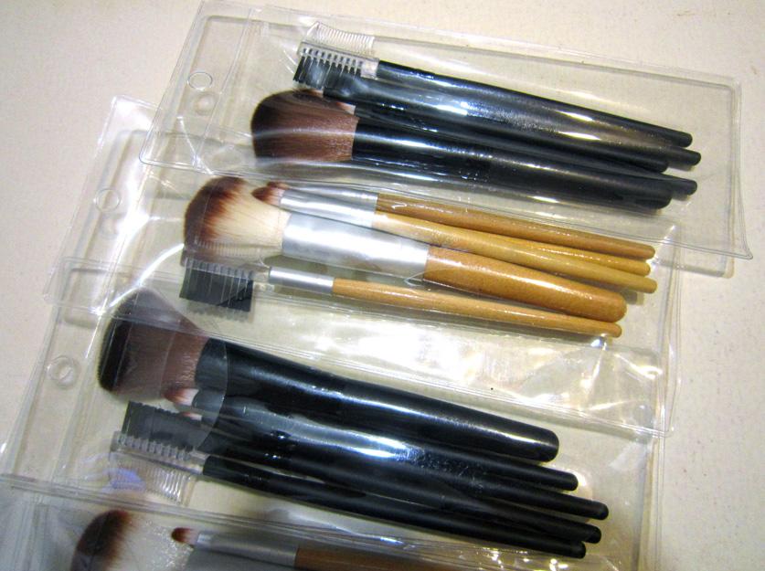 Набор кистей для макияжа из 5 кистей 05