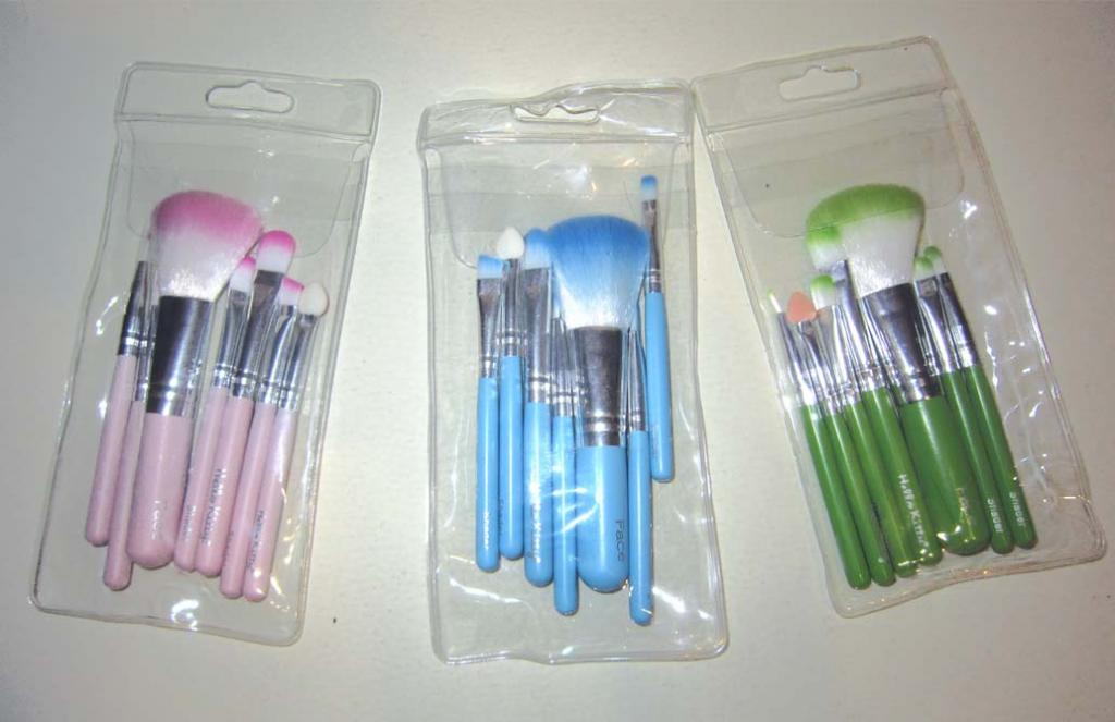 Компактный набор кистей для макияжа 7 кистей 05