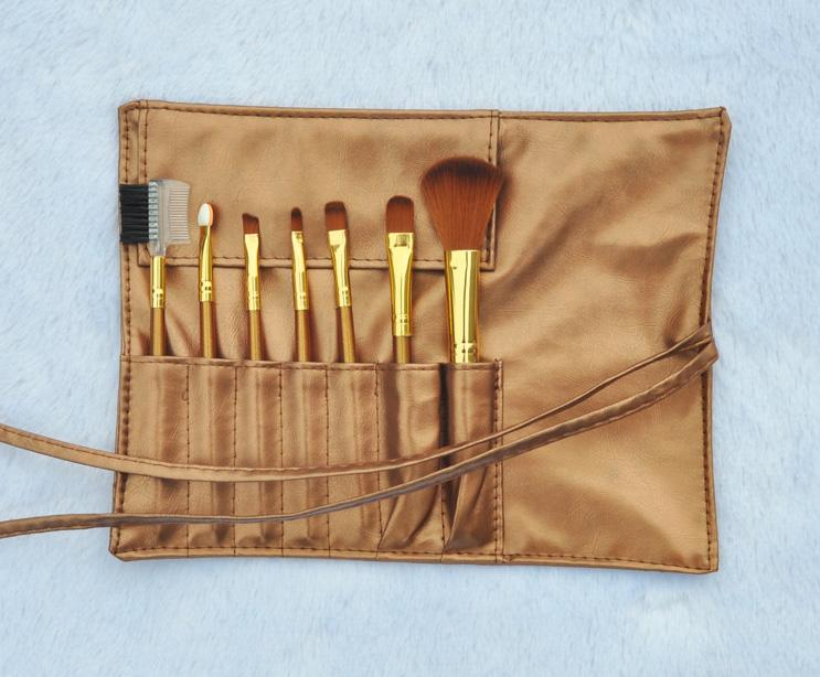 Набор кистей для макияжа из 7 кистей Золотой и Серебряный 06