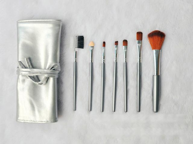 Набор кистей для макияжа из 7 кистей Золотой и Серебряный 07