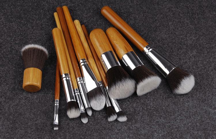 Набор таклоновых кистей с бамбуковыми ручками 11 шт. 02
