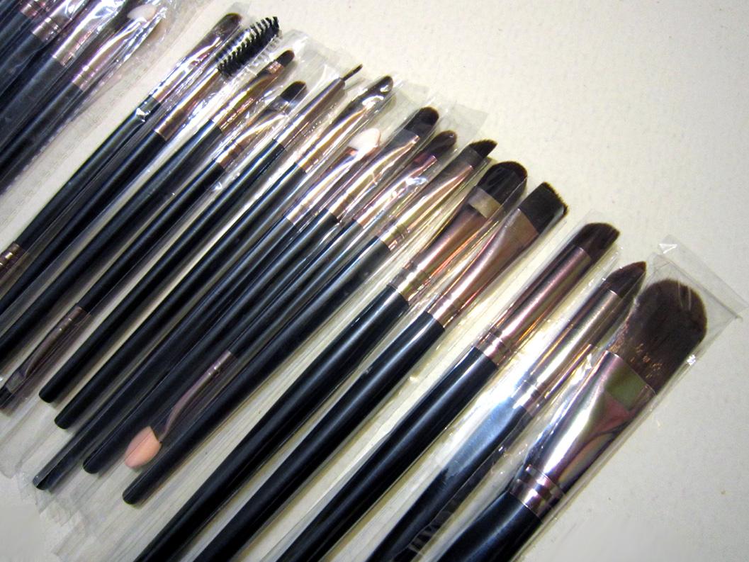 Профессиональный набор кистей для макияжа из 15 кистей 04