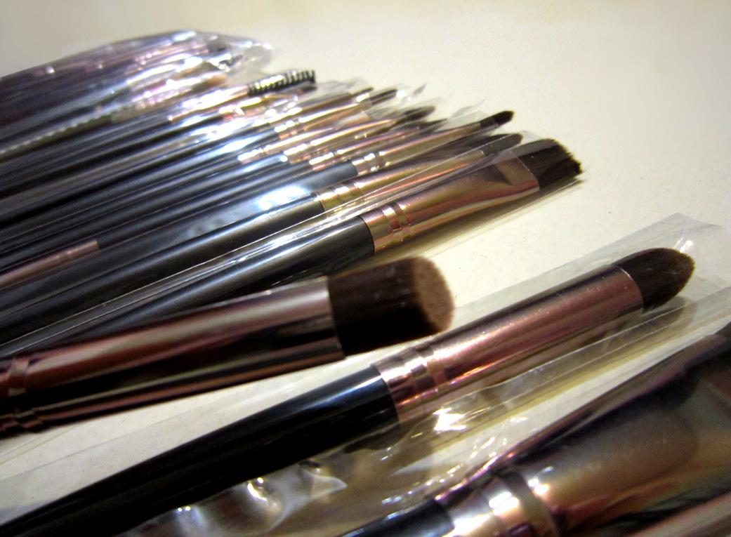 Профессиональный набор кистей для макияжа из 15 кистей 05