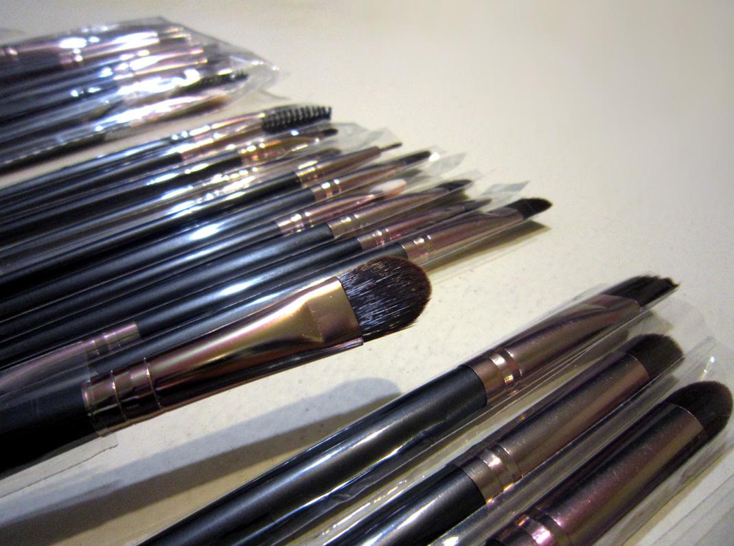 Профессиональный набор кистей для макияжа из 15 кистей 06