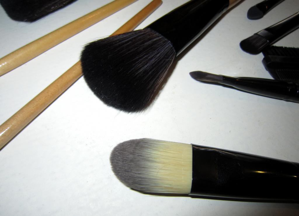 Набор кистей для макияжа 15 кистей 05