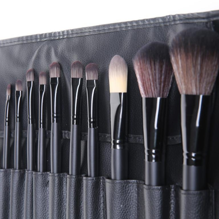 Набор кистей для макияжа 18 кистей 01