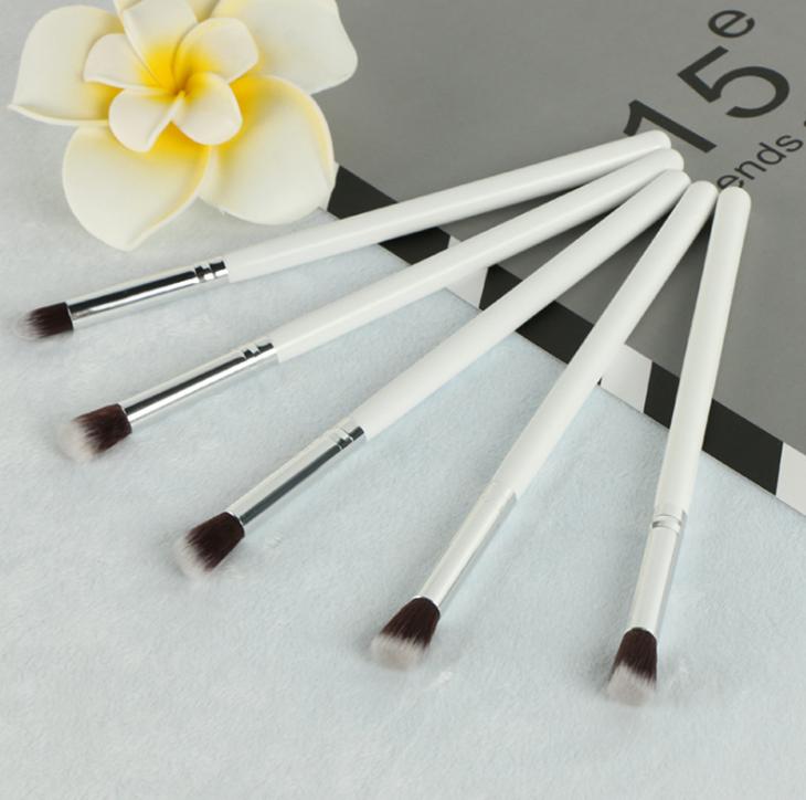 Универсальный набор кистей для макияжа 5 штук 03