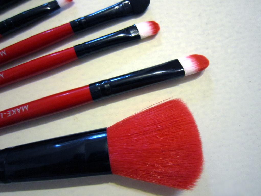 Качественный набор кистей для макияжа MAKE-UP FOR YOU 7 кистей 07
