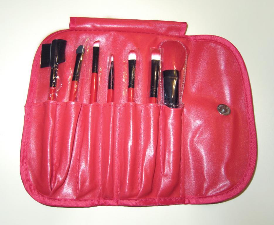 Качественный набор кистей для макияжа MAKE-UP FOR YOU 7 кистей 06