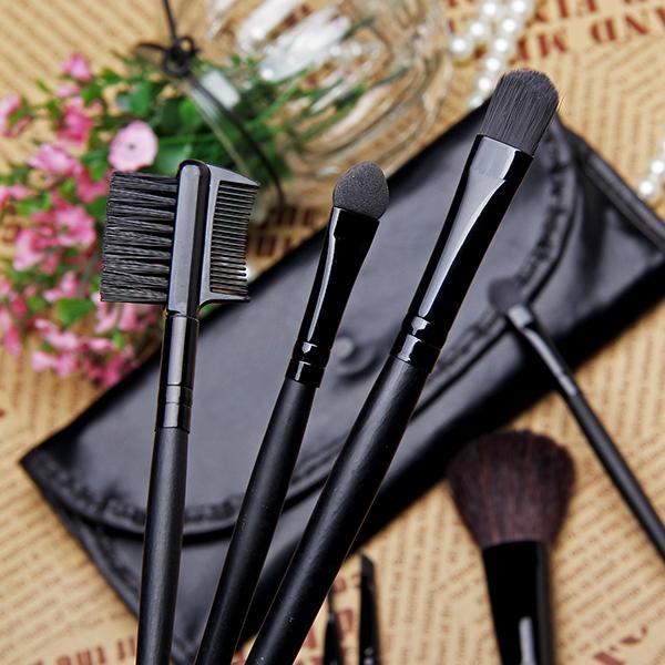 Набор кистей для макияжа Mac 7 кистей 04