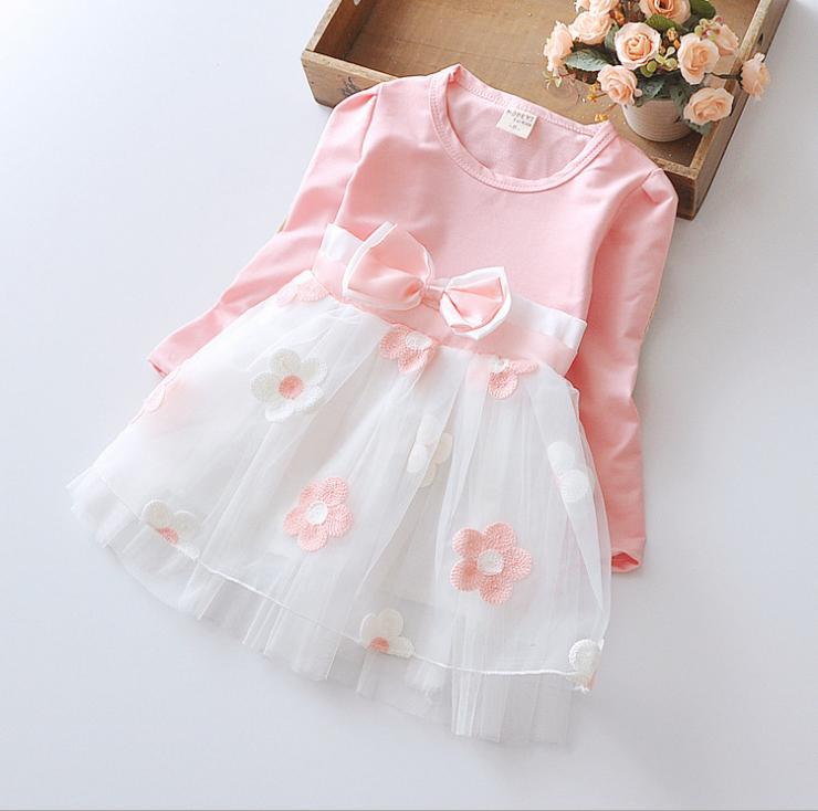 Нарядное платье с вышивкой маргаритки 03