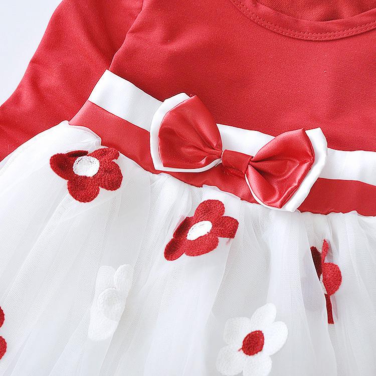 Нарядное платье с вышивкой маргаритки 04