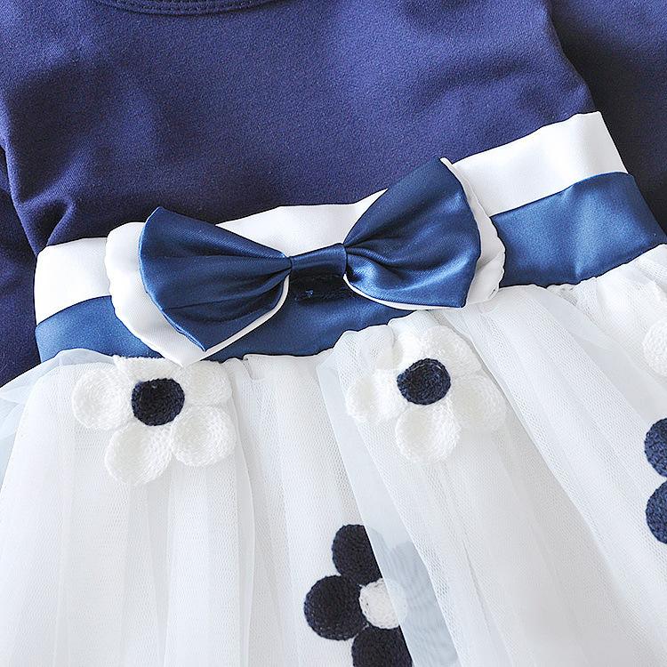 Нарядное платье с вышивкой маргаритки 07
