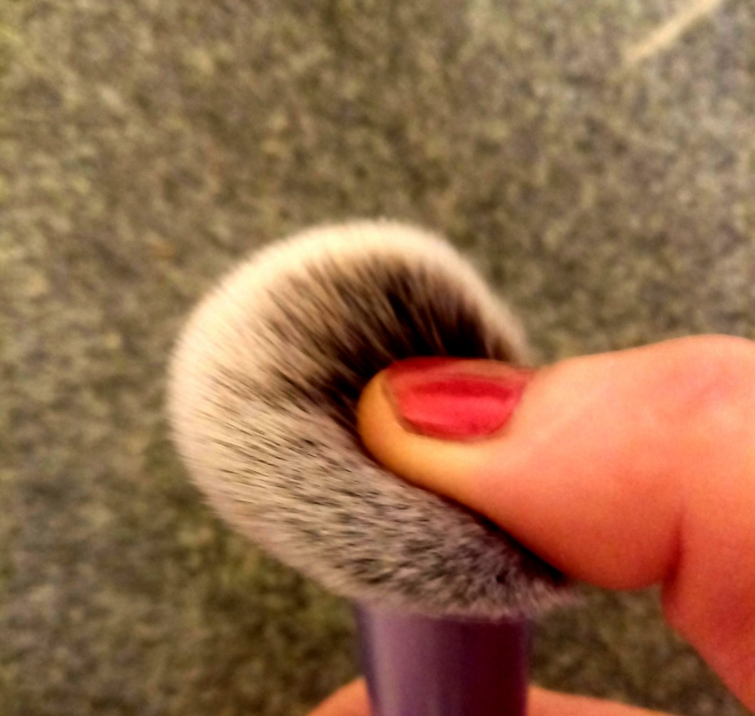 Real Techniques Blush brush для скульптурирования лица 07