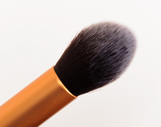 Real Techniques Blush brush для скульптурирования лица 04