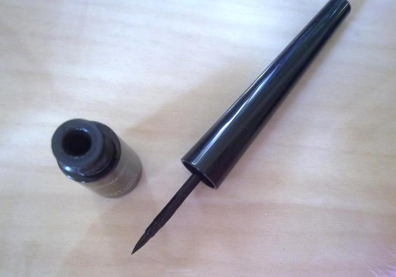 Жидкая подводка для глаз Mac Liquid Eyeliner 03